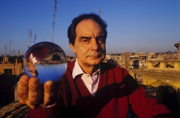 Italo Calvino, autore di romanzi e saggi tra i più importanti del Novecento italiano