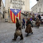Figuranti de Il trono di spade sfilano per Girona