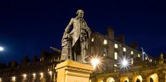 Guida ai più famosi eredi di Adam Smith, luminari dell'economia