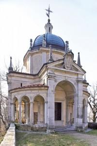 Una delle cappelle che si incontrano sul Sacro Monte di Varese