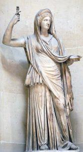 Statua di Era conservata al Louvre