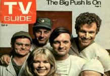 Il cast di M*A*S*H sulla copertina di un TV Guide d'epoca