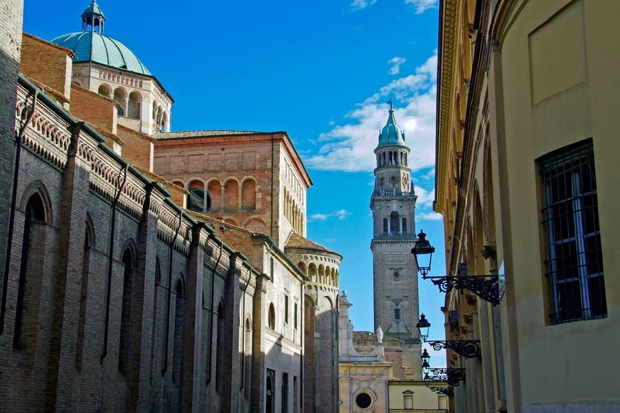 Uno scorcio di Piazza del Duomo a Parma