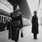 """Paddington Station"", foto di moda di Toni Frissell"