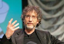 Neil Gaiman, uno degli scrittori più importanti e letti degli ultimi anni (foto di Ståle Grut / nrkbeta via Flickr)