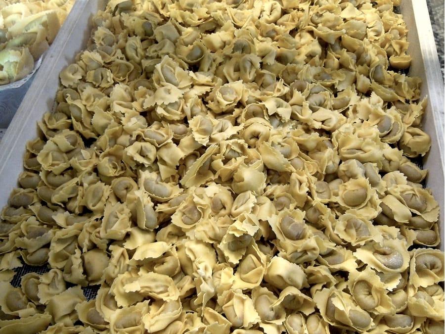 I tortellini di Valeggio sul Mincio (foto di Massimo Telò via Wikimedia Commons)