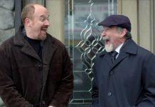 """Louis C.K. assieme a Robin Williams nel suo show """"Louie"""", una delle migliori serie comiche degli ultimi anni"""