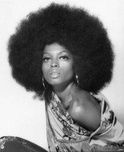 Diana Ross con la sua pettinatura afro
