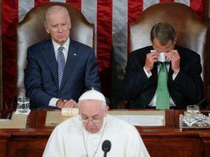 L'ex presidente della Camera dei Rappresentanti USA, John Boehner, commosso alle parole di papa Francesco