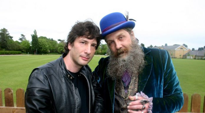 Neil Gaiman e Alan Moore, due grandi autori inglesi di graphic novel