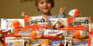 Una serie di merendine Kinder messe in vendita sul mercato internazionale