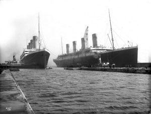 L'Olympic e il Titanic affiancati