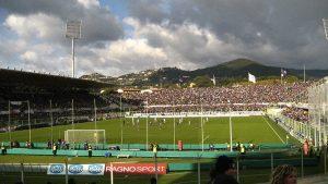 L'Artemio Franchi di Firenze, stadio della Fiorentina e quinto più capiente in Italia (foto di lauren via Flickr)