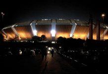 L'esterno del San Nicola di Bari, stadio un po' datato ma tra i più belli e capienti del nostro paese (foto di Fabio Cianciola via Wikimedia Commons)