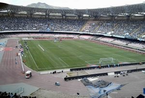 Lo Stadio San Paolo di Napoli (foto di C.R. via Wikimedia Commons)