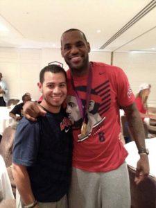 Il preparatore Mike Mancias con LeBron James