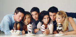 I sei protagonisti di Friends: da sinistra, Chandler, Rachel, Ross, Monica, Joey e Phoebe