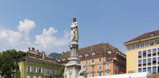 Piazza Walther a Bolzano, una delle province più grandi d'Italia