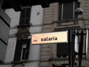 Indicazione della via Salaria, ancora oggi uno snodo importante da Roma