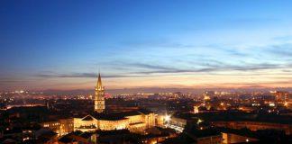 Il centro storico, una delle cose da vedere a Tolosa (foto di M.berkouk via Wikimedia Commons)