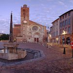 Il centro di Tolosa con la chiesa di Saint-Etienne