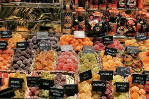 Il tipico mercato de La Boqueria a Barcellona