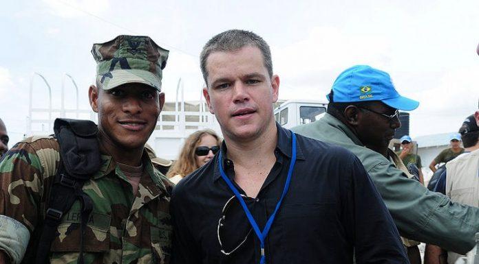 Scopriamo la filmografia di Matt Damon (qui ad Haiti nel 2009)
