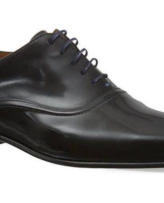 La più tradizionale delle Oxford, una delle scarpe alla francesina lisce di Paul Smith