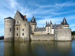 Il bellissimo castello di Sully sulla Loira