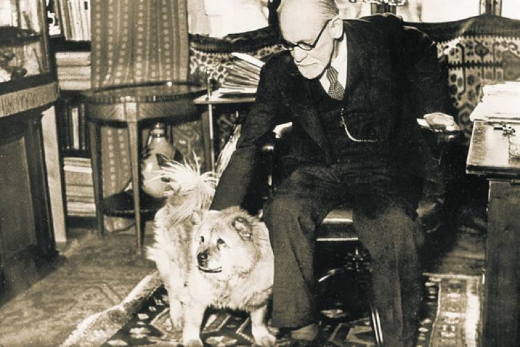 Sigmund Freud con la sua cagnolina Jofi