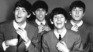 I Beatles, autori di alcune delle più famose canzoni degli anni '60: da sinistra, Paul McCartney, George Harrison, Ringo Starr e John Lennon