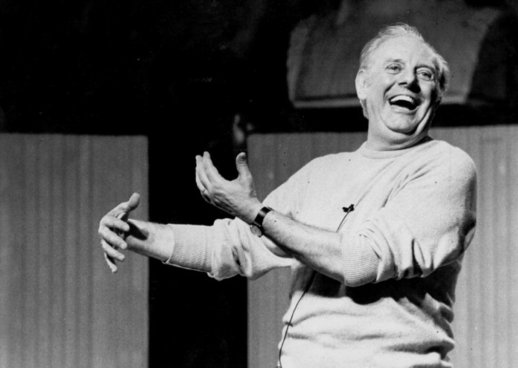 Dario Fo mentre recita in grammelot