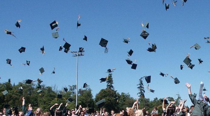 Guida alle migliori frasi per festeggiare la laurea