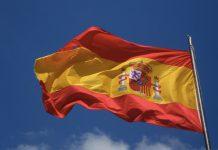 La bandiera della Spagna, simbolo dell'unità tra le diverse regioni del paese