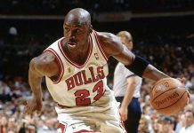 Michael Jordan, uno che sapeva interpretare vari ruoli su un campo da basket (foto di Jason H. Smith via Flickr)