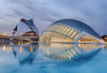 La Città delle Arti e delle Scienze è uno dei posti immancabili quando si fa turismo a Valencia