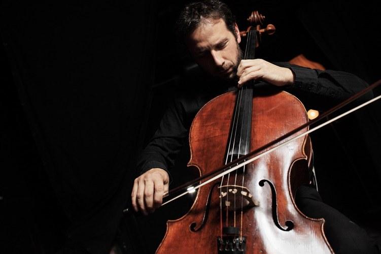 Scopriamo la bellezza del violoncello attraverso cinque famosi brani scritti per questo strumento