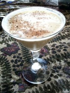 L'Alexander, cocktail basato sul cognac (foto di Robyn Jay via Flickr)