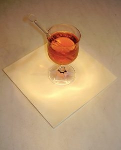 Il Grog, cocktail invernale (foto di hendrike via Wikimedia Commons)