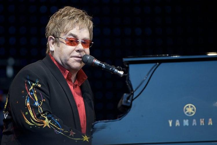 Alla scoperta delle canzoni più famose di Elton John (foto di Ernst Vikne via Flickr)