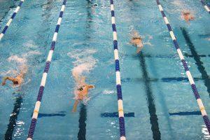 Il nuoto è uno dei più efficaci (e praticati) sport per dimagrire