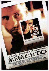 La locandina di Memento di Christopher Nolan
