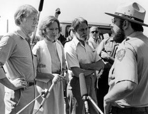 Shelby Foote, al centro, col presidente Jimmy Carter e la moglie a Gettysburg nel 1978