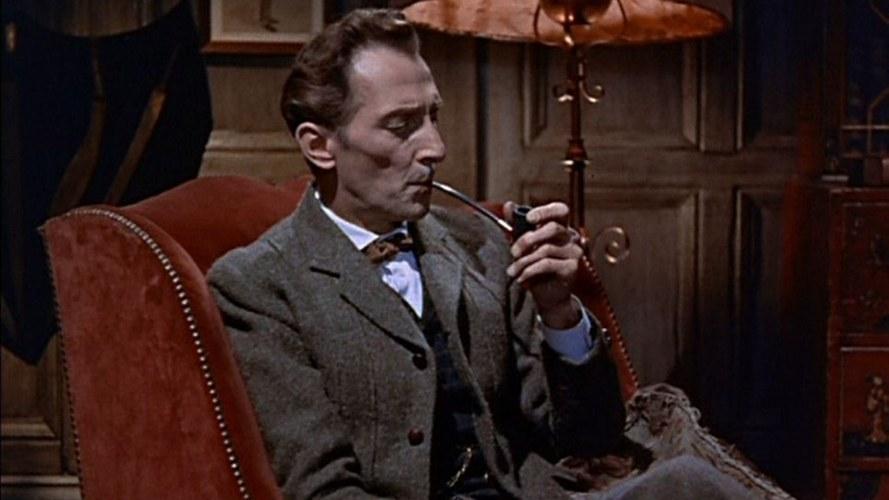 Peter Cushing, protagonista anche di molti film horror