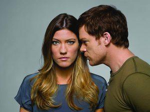 Jennifer Carpenter alias Debra Morgan, qui in un'immagine promozionale con Dexter