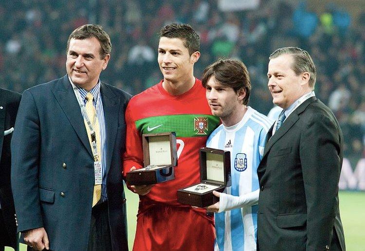 Cristiano Ronaldo e Leo Messi, i due sportivi più pagati del mondo (foto di Fanny Schertzer via Wikimedia Commons)