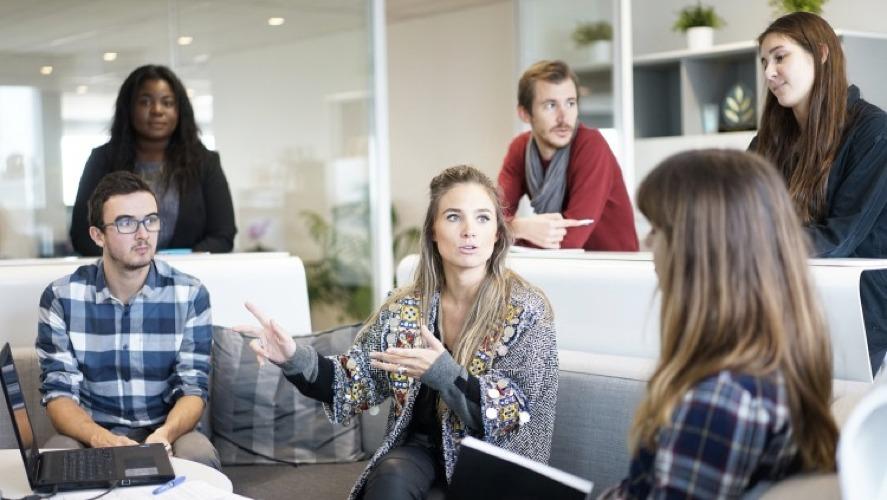 L'importanza della prima impressione, nei colloqui di lavoro e nei gruppi di lavoro