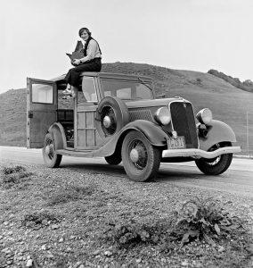 Dorothea Lange, una delle più grandi fotografe del '900, nel 1936