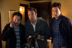 Jason Sudeikis assieme a Charlie Day e Jason Bateman, protagonisti con lui di Come ammazzare il capo... e vivere felici