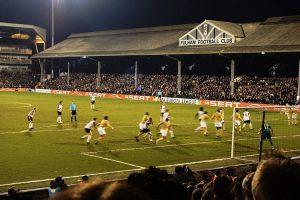 Una partita tra Fulham e Juventus giocata nel 2010 a Craven Cottage (foto di Nick via Flickr)